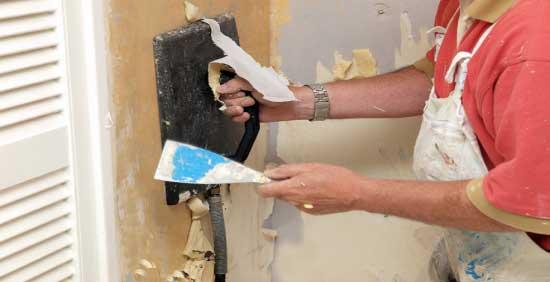 очищение-стен-подготовка-руками