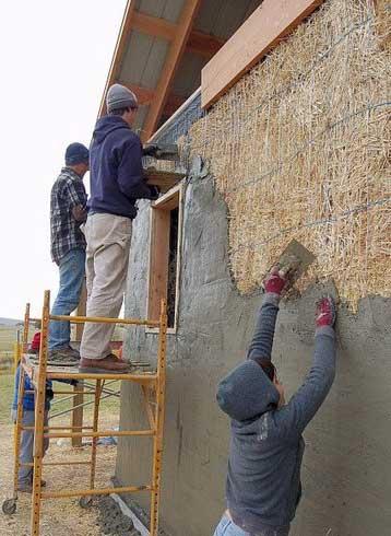 штукатурка-стены-из-соломенных-блоков
