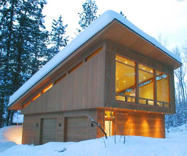скопление-снега-на-односкатной-крыше