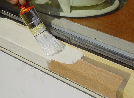 покраска-деревянного-окна