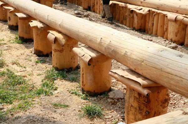 недостатки-деревянного-фундамента
