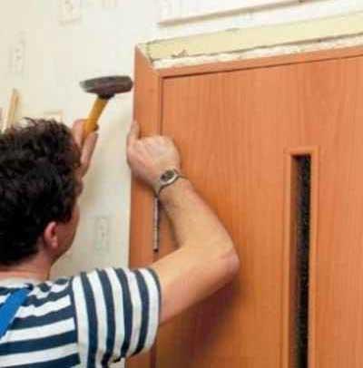 установка-дверей-наличников