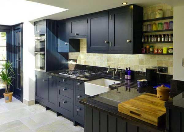 кухня-в-пристройке-дома-каркасного