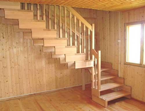 лестница-каркасный-дом-освещение