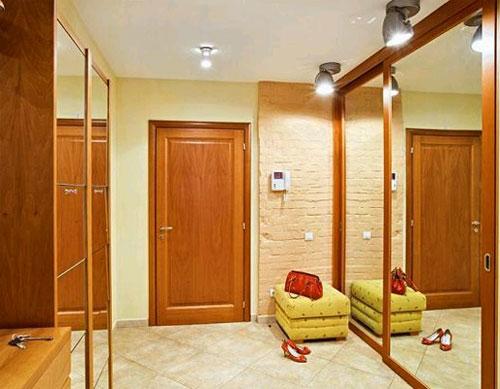 освещение-прихожей-комнаты-в-доме