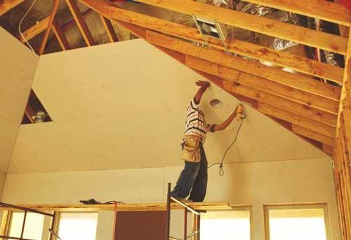 потолок-каркасного-дома-своими-руками