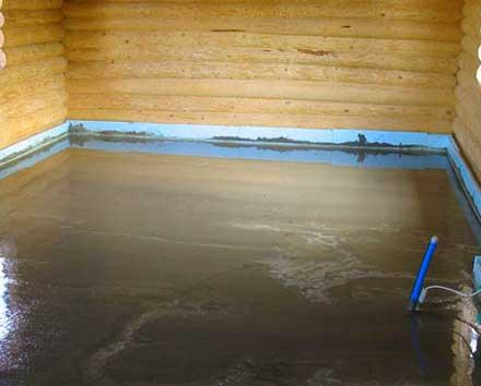 Высыхающий бетонный пол в доме