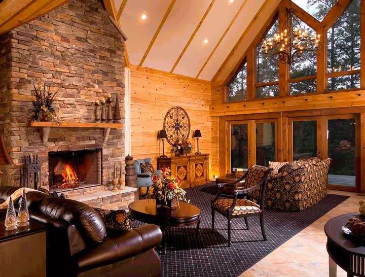 Дизайн гостинной с камином и понарамными окнами