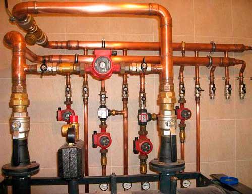 Трубы газопровода в доме
