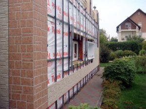 Монтаж фасадных панелей на фасад дома