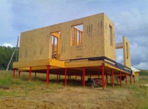 Фундамент для дачного дома на сваях