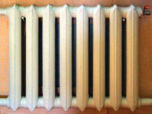 Старые советские чугунные радиаторы отопления