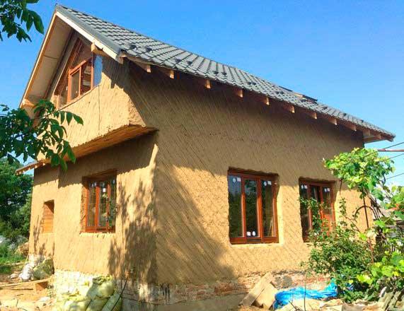 Крыша в глинобитном доме