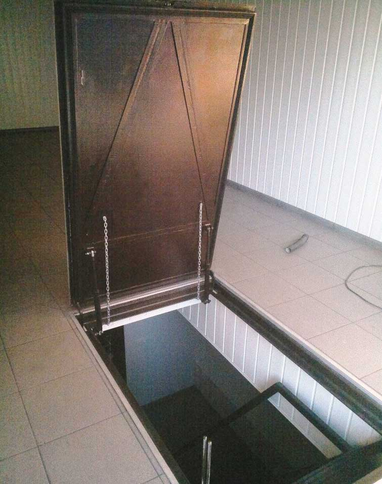 Потайной люк в подвал под плитку