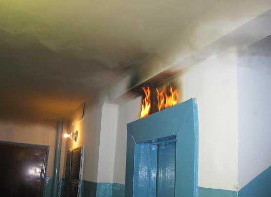 пожар в подъезде жилого дома