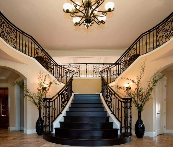 Т-образная лестница