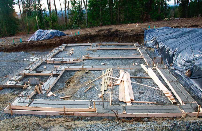 Процесс закладки фундамента частного дома