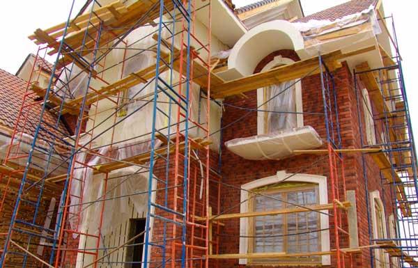 Производим реставрацию и ремонт домов в России