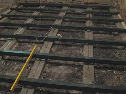 Демонтаж старого напольного покрытия