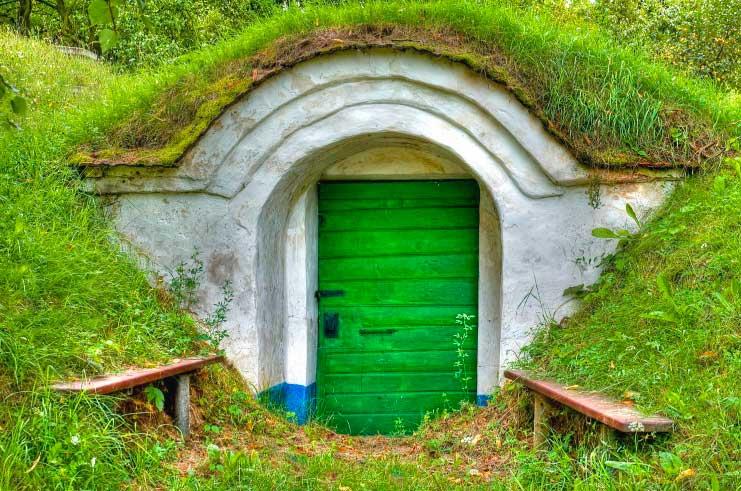 Как построить погреб на даче или в доме