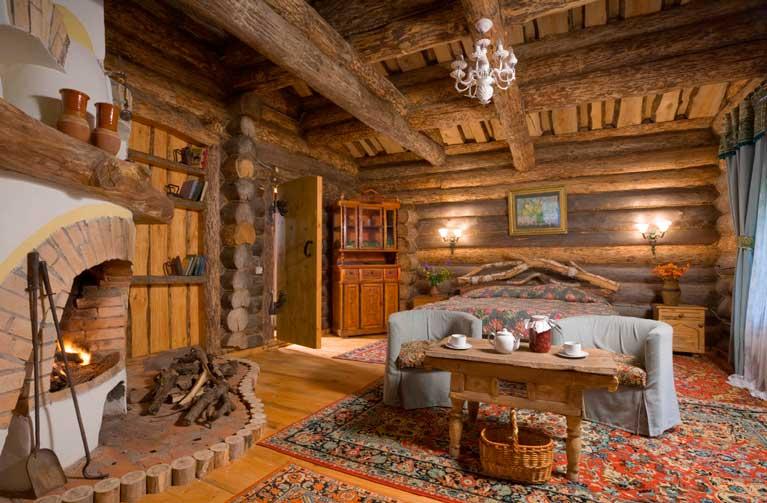 Небольшой загородный домик в деревенском стиле