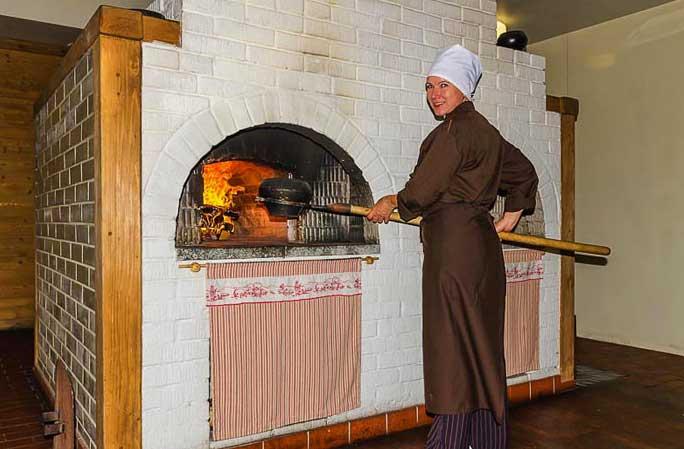 приготовление еды в русской печи