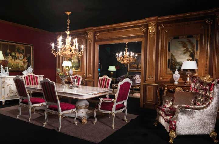 Богато обставленная гостиная в викторианском стиле