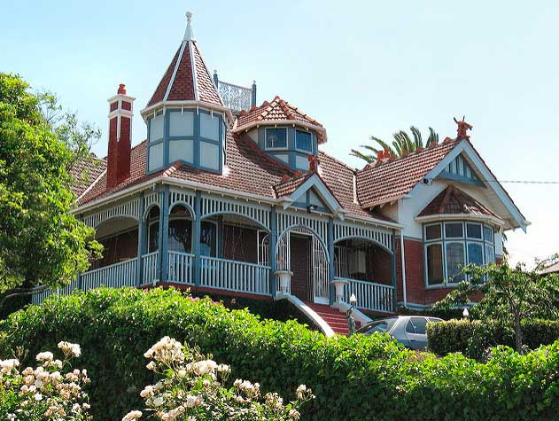 дом в в стиле времен викторианской эпохи