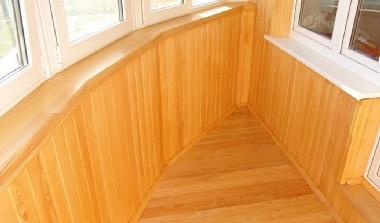 балкон деревянной вагонкой