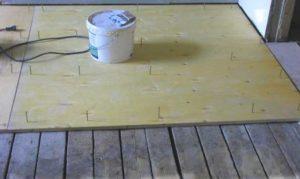 Выравнивание деревянного пола перед укладкой ламината