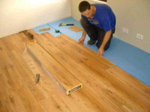 Процесс укладки ламината на деревянное основание