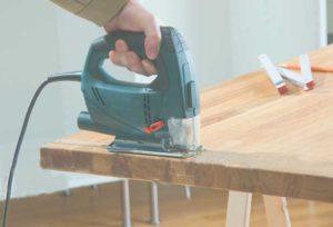 Пример электролобзика в работе