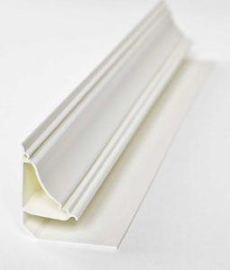 Пластиковый потолочный плинтус
