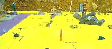 Желтая пленка по всей крыше