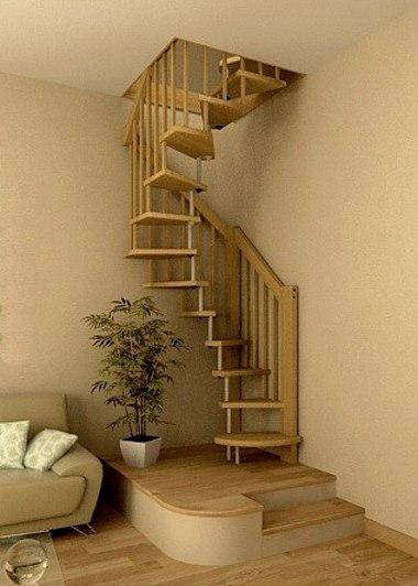 Винтовая лестница цвета слоновой кости