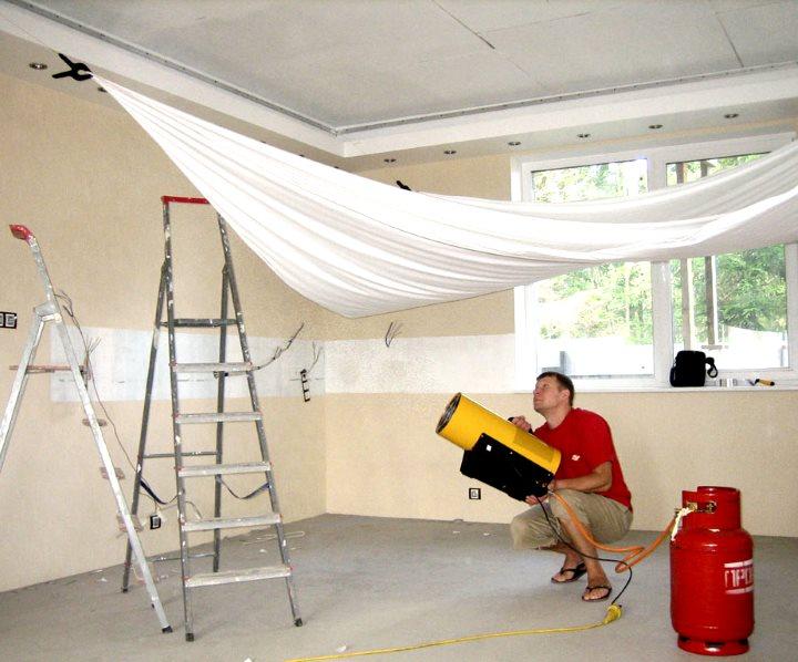 Горячий метод установки натяжного потолка