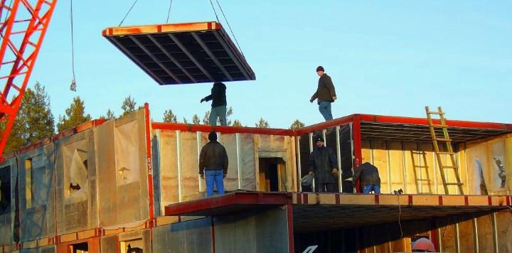 Установка сэндвич панели на крышу