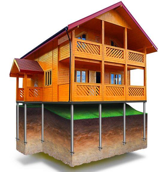 Конструкция свайного фундамента для деревянного дома на склоне
