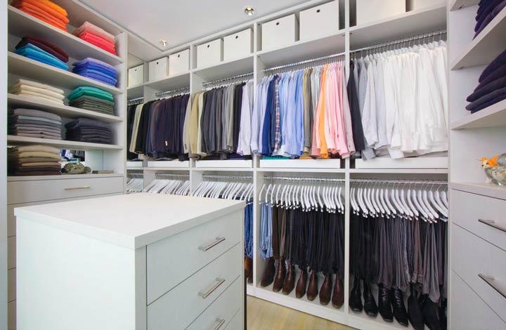 Достоинства гардеробной комнаты