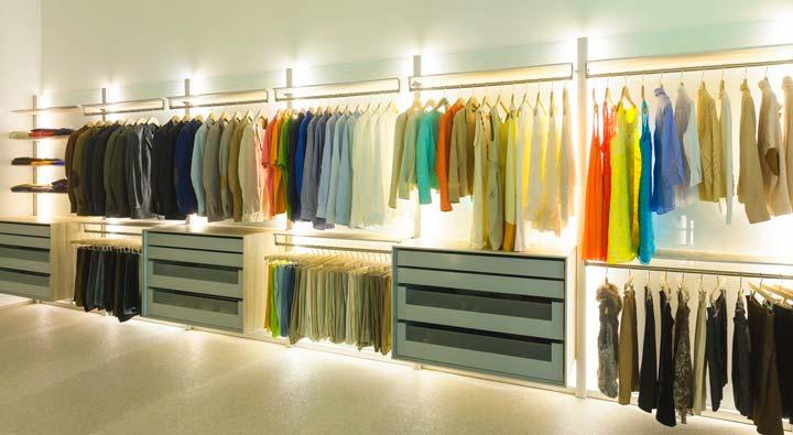 Расположение вещей в гардеробной