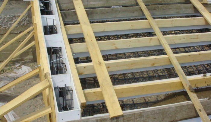Каркас под лестницу из бетона