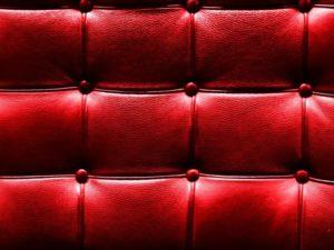 Красивый дермантин красного цвета