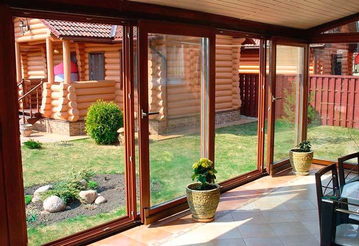 Окна и дверные конструкции для закрытой веранды