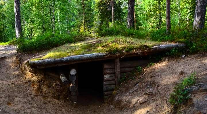 Землянка с односкатной крышей