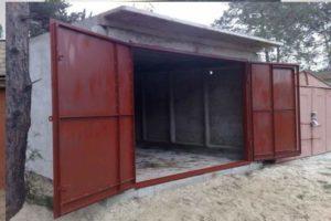 Окрашенные гаражные ворота