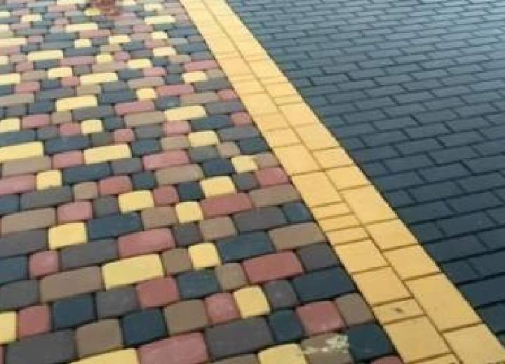 Виды тротуарной плитки - черная с желтым