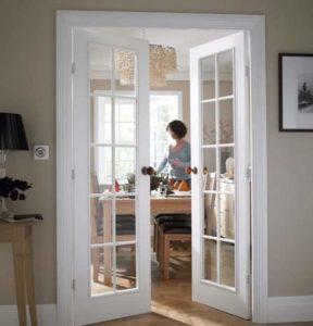 Двойная межкомнатная дверь белого цвета