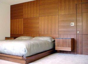 Интерьер спальни с панелями