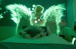 Спальня со светящейся краской