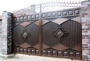 Профнастил. Ворота для частного дома